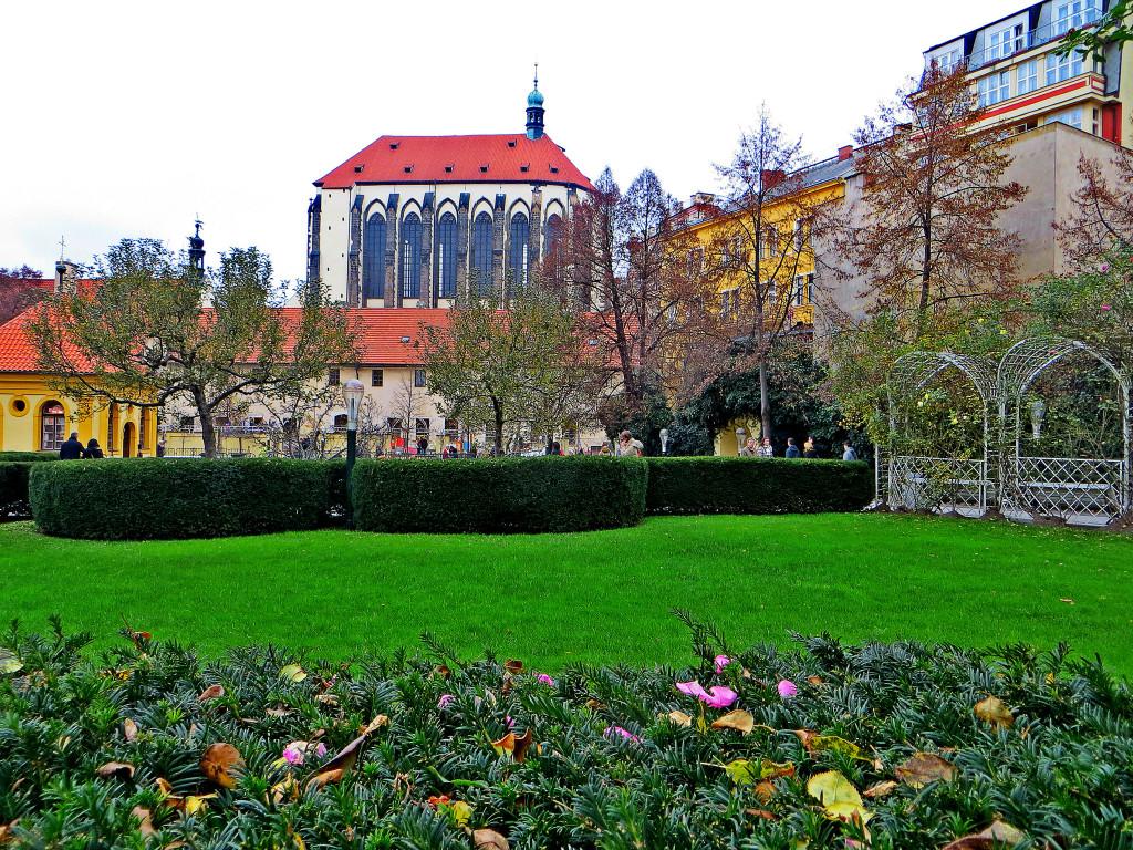 Франтишканский сад по соседству с Вацлавской площадью