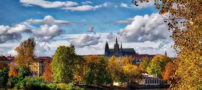 Прага в октябре: особенности погоды, как одеваться и чем заняться