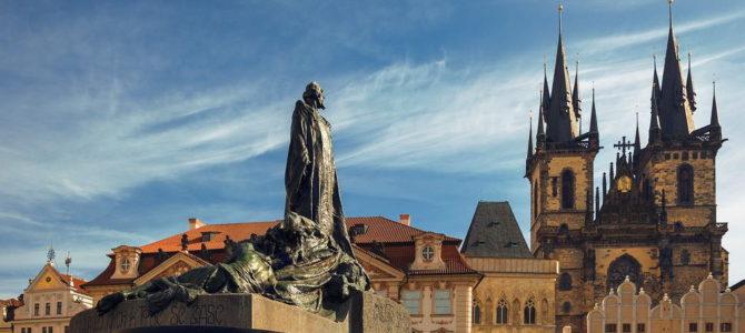 Памятник Яну Гусу на Староместской площади