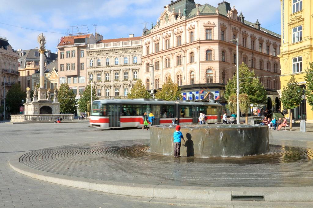 Площадь Свободы и Чумной столб