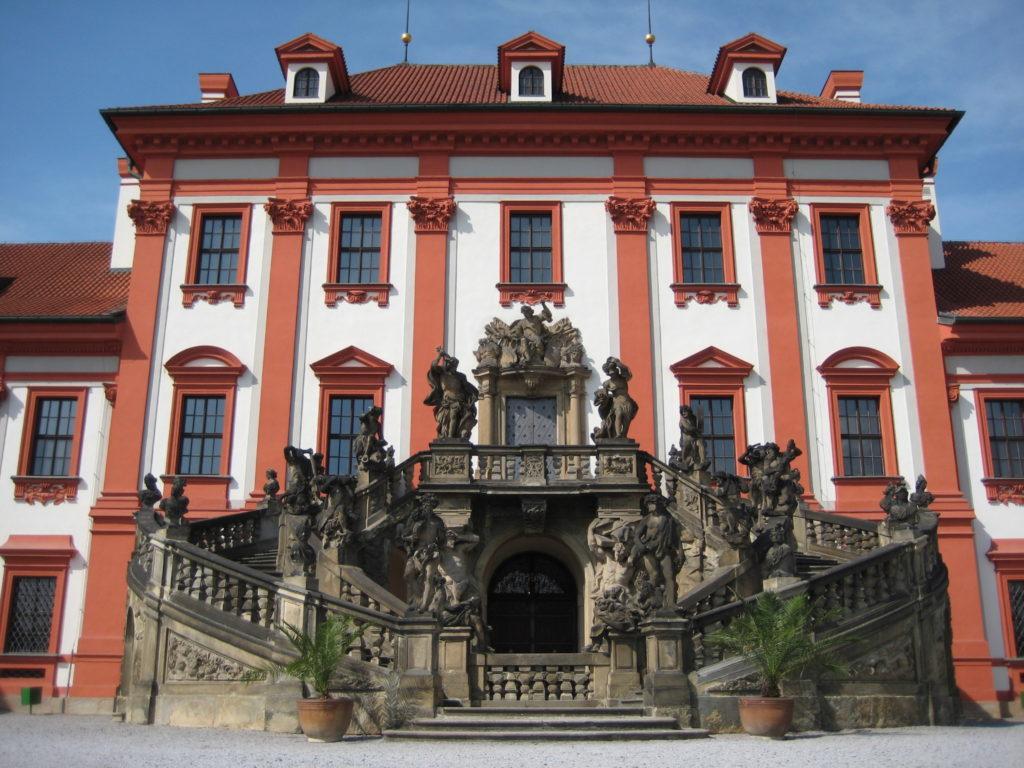 Парадная лестница Тройского замка